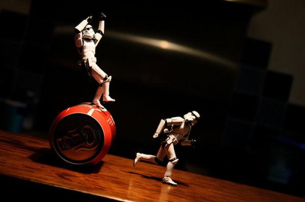 http://1.bp.blogspot.com/_Fzq94YVbHHM/S75OQy9JUHI/AAAAAAAAuZc/NIQku3SgZ1k/s1600/stormtroopers_adventures_06.jpg