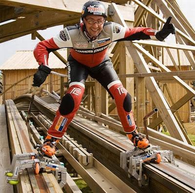 montanha-russa com patins