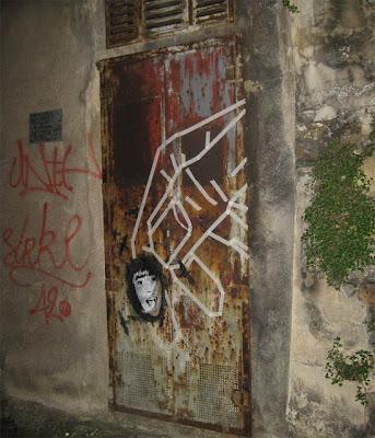 Paris hilton 2011 masking tape street art by buff diss - Boutique masking tape paris ...
