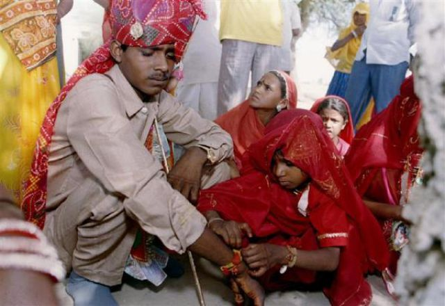 child marriage in india Child marriage down since 2001 but still rampant, show census data trend of underage marriages common to hindus and muslims 78 lakh girls were married even before they had turned 10.