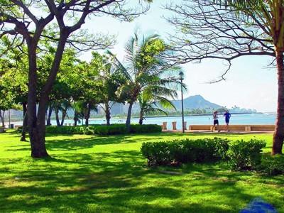 Ala Moana Beach Park - Beach - 1201 Ala Moana Boulevard, Honolulu, HI, United States