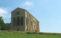 Santa María del Naranco, suroeste
