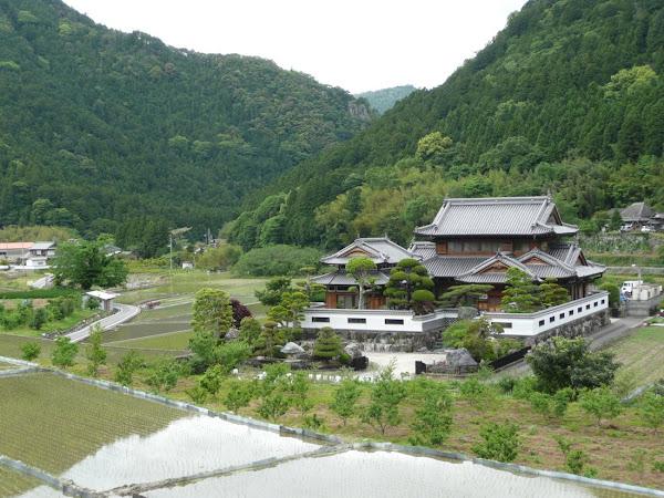 14_Beautiful landscape near Kamiyama Onsen