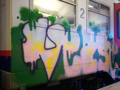 VEASE HFSK graffiti