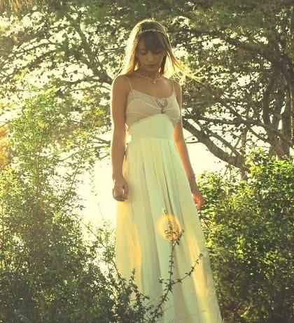 שמלת כלה וינטאג' בשילוב גוונים בהירים