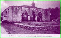 Mesjid Lama Geresik ( Pintu Gerbang Hang Tuah )