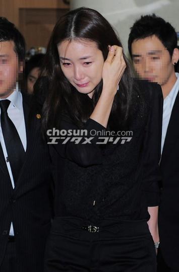 Korean Movie Reviews for 2004 Tae Guk Gi Arahan 3Iron