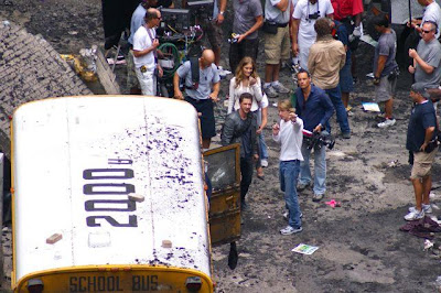 TRANSFORMERS 3: The Dark of the Moon (2011)... Spoiler/Rumeurs [page 2] - Page 2 TF3ChicagoParkingLotAction6