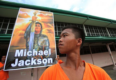 Dancing Inmates Tribute To Michael Jackson