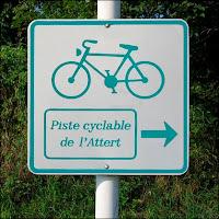 Panneau signalant une piste cyclable au Grand Duché de Luxembourg.