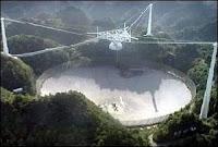 Le radiotélescope d'Arecibo (Porto Rico) au coeur de la recherche SETI.