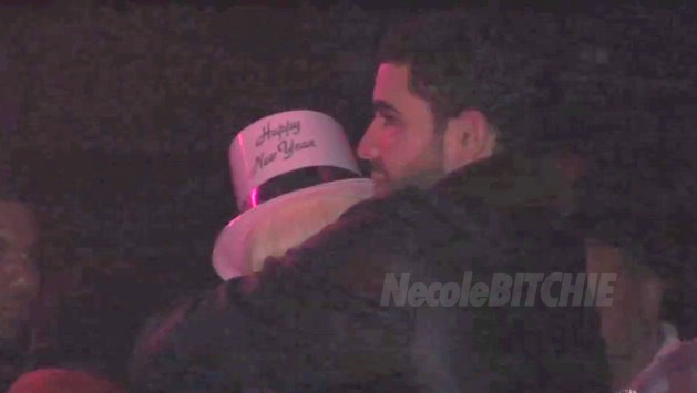 did nicki minaj and drake kiss. Niki minaj using twitter Over