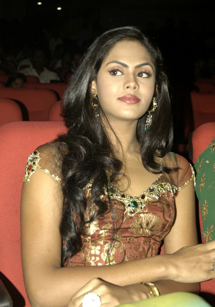 karthika radhas daughter,karthika hot pictures