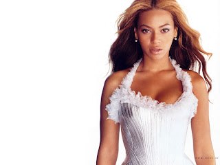 AMERICAN POP/R&B SINGER-ACTRESS: BEYONCE MODELING PICS IN WHITE DRESS