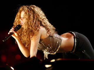 Shakira Stage Show Hot Picture