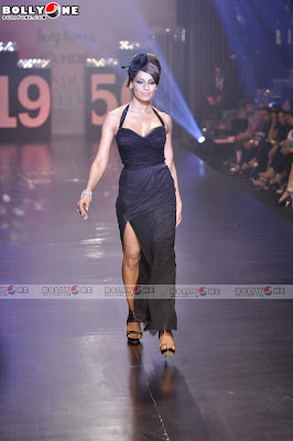 Bipasha Basu Black Dress Ramp Pics at Being Human