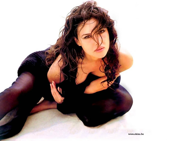 Italian Monica Belluci Hottest Wallpapers