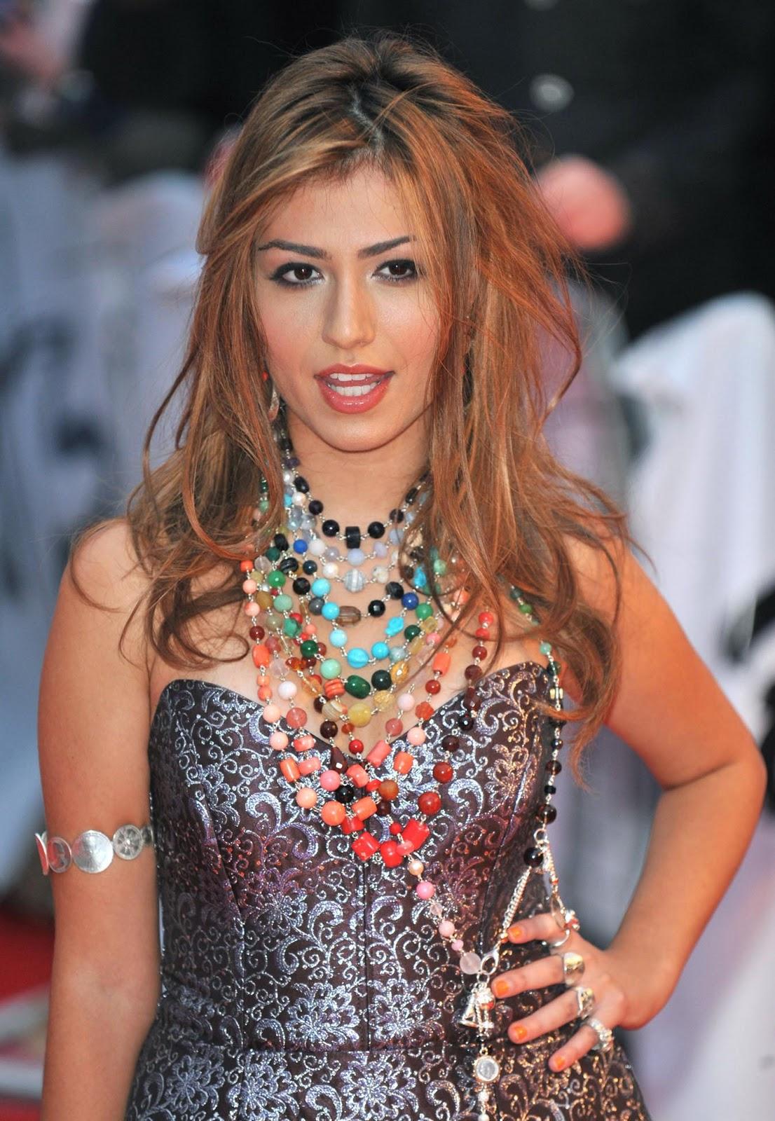 http://1.bp.blogspot.com/_GCAuqodmOE4/TRJgUg2B4XI/AAAAAAAAF4g/U5j_bynnctA/s1600/001_Gabriella_Cilmi_5_The_Brit_Awards_2009_8_18.2.09.jpg