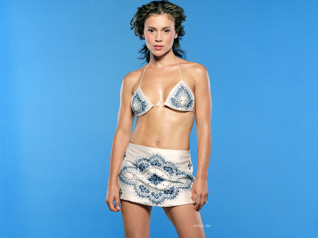 Alyssa Milano Hottest Bikini Photo Shoot