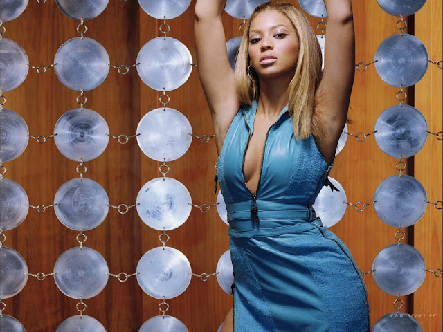 Hot American Singer Beyonce Knowles Blue Dress Photo Shoot