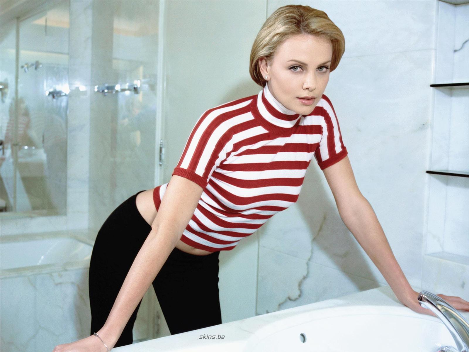 http://1.bp.blogspot.com/_GCAuqodmOE4/TS_ZDYQjQJI/AAAAAAAAG-o/VghwOrW0lnk/s1600/Charlize+Theron+In+Sexy+Strip+Shirt+Photos+%25287%2529.jpg