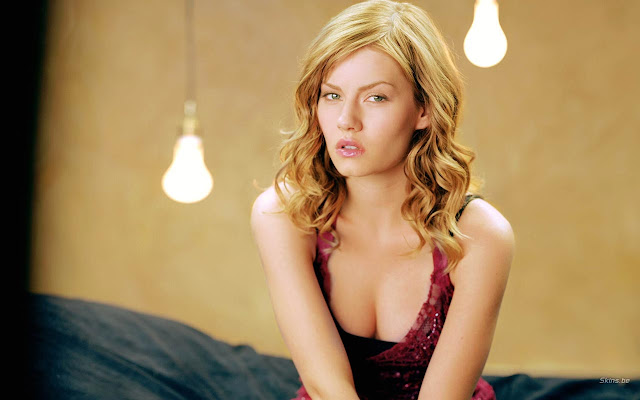 Sexy Elisha Cuthbert Hot Unseen Wallpaper