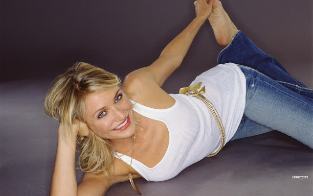 Hot Hollywood Actress: Cameron Diaz HQ Wallpapers 1920-1200