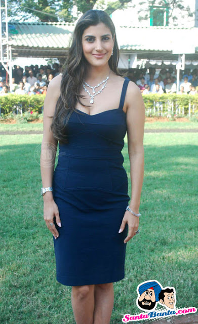 Perizaad Kolah Hot Pics At HDIL Indian Oaks Race 2011