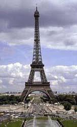 Menara Eiffel Awalnya Mendapat Kritikan