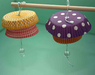 paper crafts for gifts: cupcake-liner crafts
