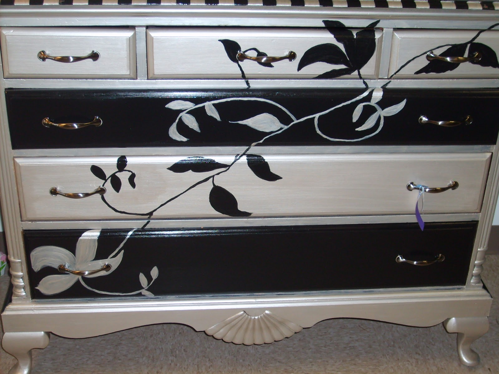 Serendipity Lane Upscale Furniture Consignment Hand