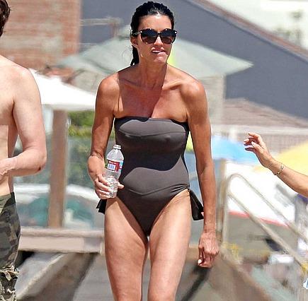 Janice Dickinson Bikini Pics