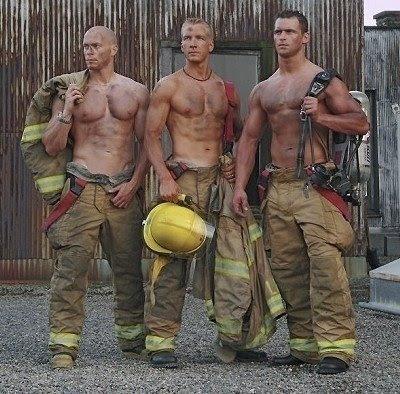 http://1.bp.blogspot.com/_GG2nXPEgt2s/Sf98HyboTOI/AAAAAAAAEAk/7aJaxibm5kc/s400/firemen.jpg