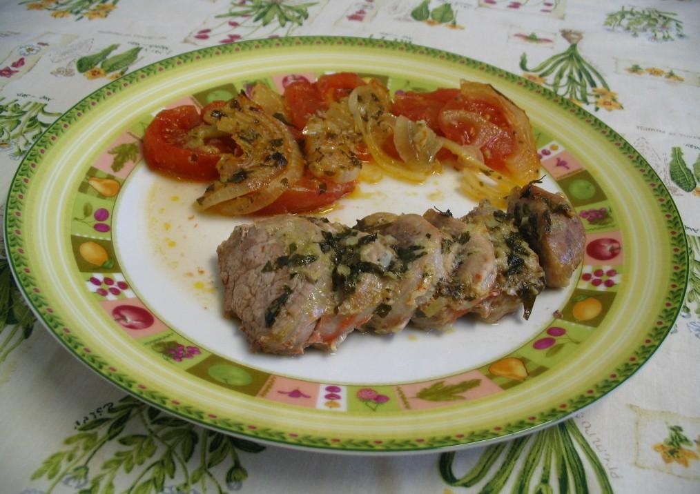 La cuchara curiosa solomillo al horno con tomate y cebolla - Solomillo de ternera al horno con mostaza ...