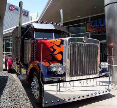 Optimus Prime Autobot truck Transformers 2
