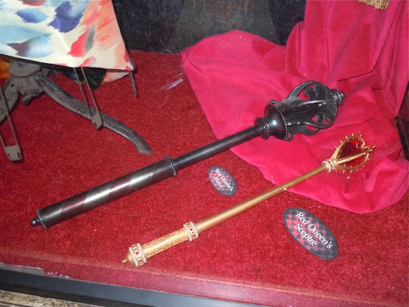 Red Queen Sceptre Alice movie prop