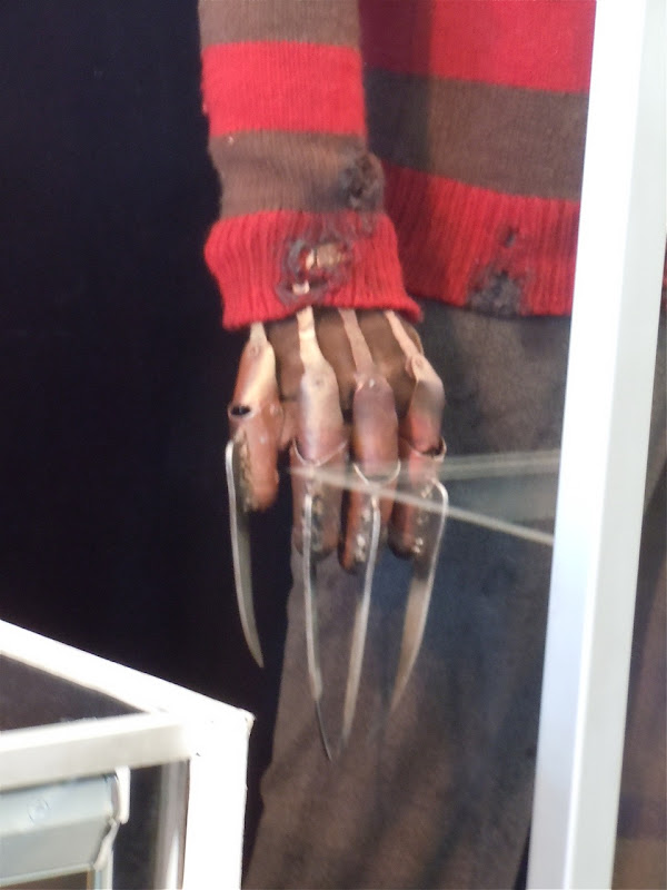 Freddy Krueger claw movie costume prop