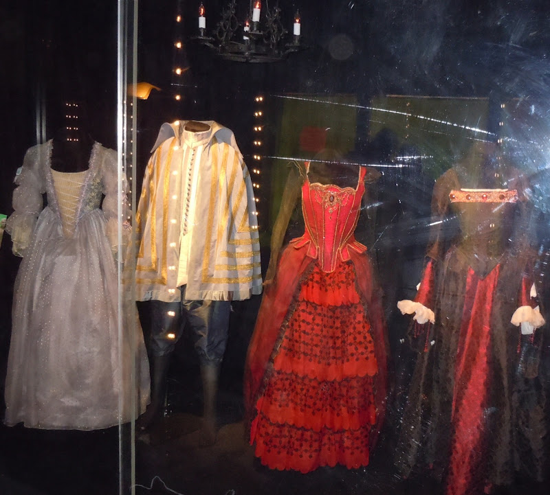 Alice in Wonderland Queen Courtiers film costumes