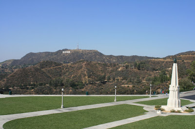 Griffith Observatory entrance lawn