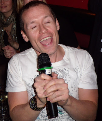 Karaoke Jason in Holywood