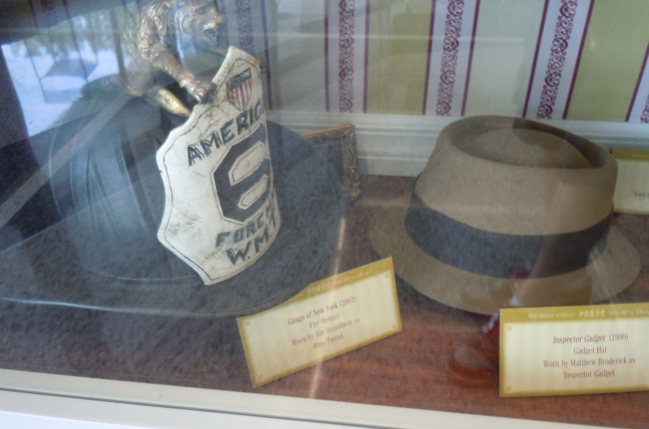 http://1.bp.blogspot.com/_GIchwvJ-aNk/S_hcyfeJpKI/AAAAAAAAQvY/tYiLA51yGWc/s1600/gangs+of+new+york+fire+helmet.jpg
