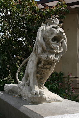 Lion statue at LA Zoo