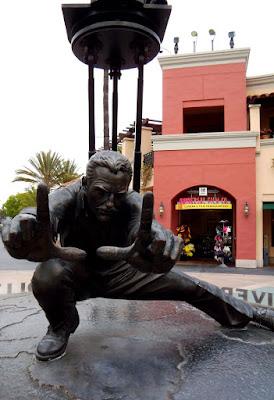 Universal Studios entrance statue