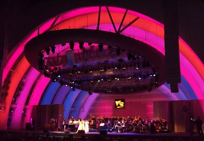 Aretha Franklin Hollywood Bowl stage lighting