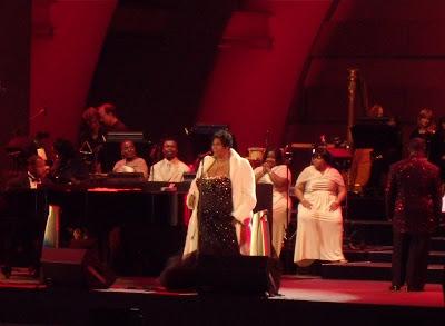 Aretha Franklin sings at The Hollywood Bowl