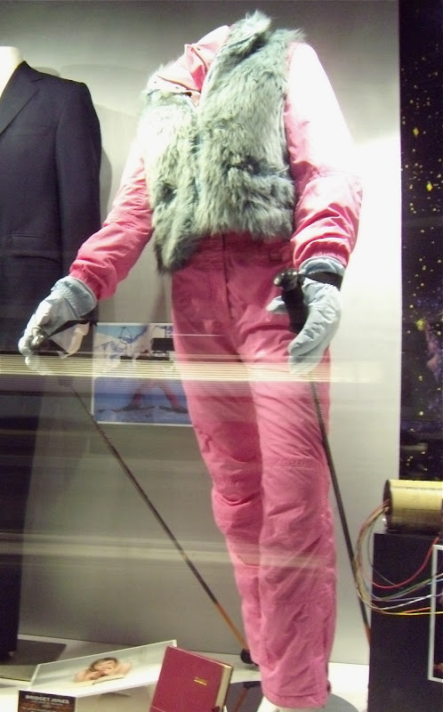 Bridget Jones pink ski movie outfit