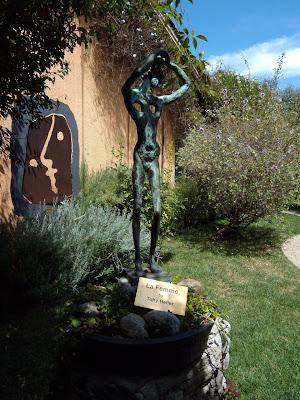 La Femme sculpture Toby Heller