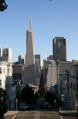 Transamerica Pyramid San Francisco skyline
