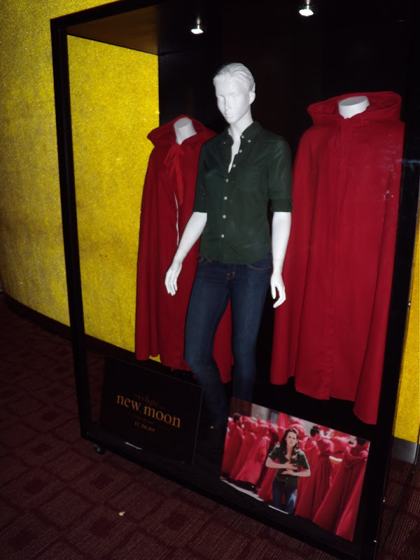 Bella Swan outfit worn by Kristen Stewart in Italy in Twilight New Moon