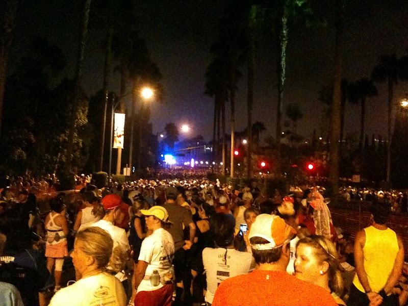 Disneyland Half Marathon Corral D runners